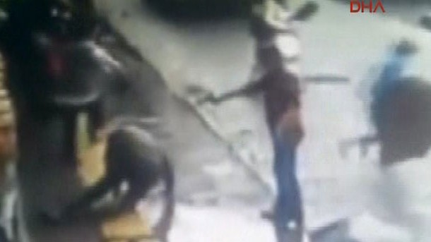 Rize'de cinayet anı kamerada