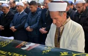 Sobadan Zehirlenip Ölen Çiftin Cenaze Namazlarını İmam Oğulları Kıldırdı