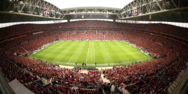 Galatasaraylı Taraftarlardan Yoğun İlgi!