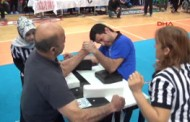 Engelliler Bilek Güreşi Şampiyonası Karabük'te Yapıldı