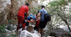 Reklamı Kapat  Kelebekler Vadisi'nde Düşen Tatilci Kurtarıldı